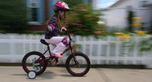 Aprender a andar en bicicleta con ruedines