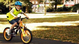 Aprender a andar en bicicleta de dos ruedas