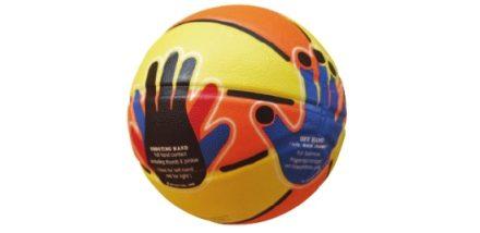 Balon de basket con manos dibujadas